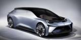 Китайцы показали беспилотный автомобиль с кроватью