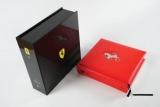 Книгу про Ferrari продадуть з молотка за $150 тисяч